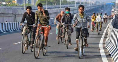 Labours on Road